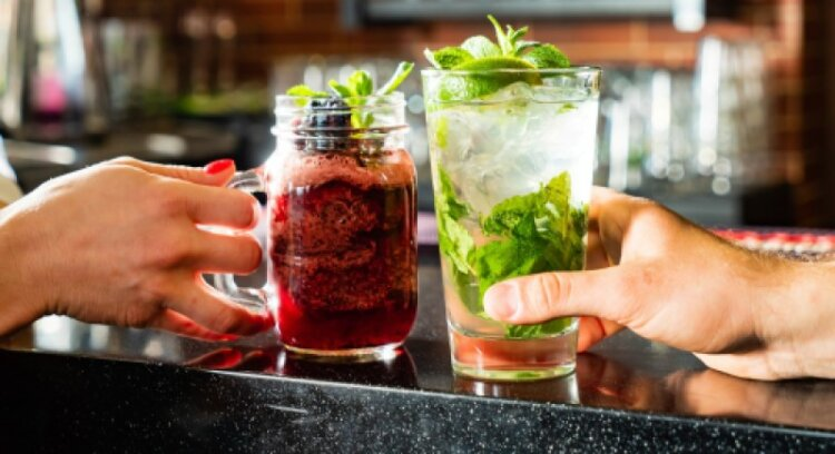 Cocktails and Mocktails with Herbs